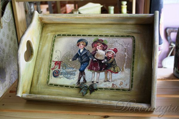 A tray with decoupage for your christmas dinner!