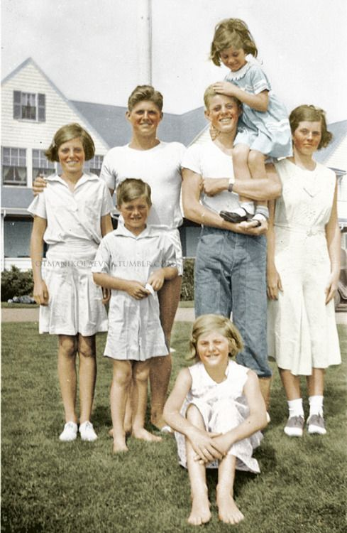 "otmanikolaevna: ""Seven of the Nine Kennedy Children, ca. 1933 From l to r: Eunice Kennedy, Robert ""Bobby"" Kennedy, Joe Kennedy Jr., Patricia Kennedy (sitting), John ""Jack"" Kennedy, Jean Kennedy, and Rosemary Kennedy. """