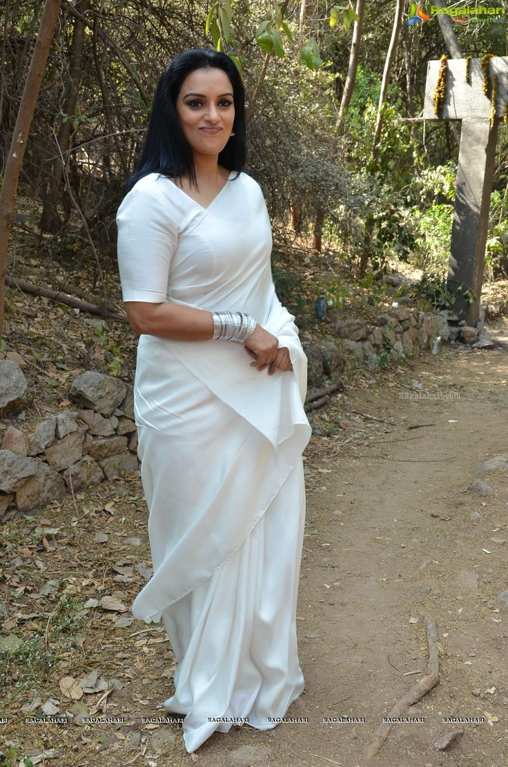 Shweta Menon at She Movie Press Meet | Tollywood actress hot images