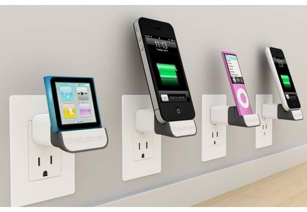 Avoid your iDevices scattered on the floor or desk when charging by using The MiniDock. Also holds your gadgets in place.     Get one now for only $19.95    (Image source: Mashable.com)