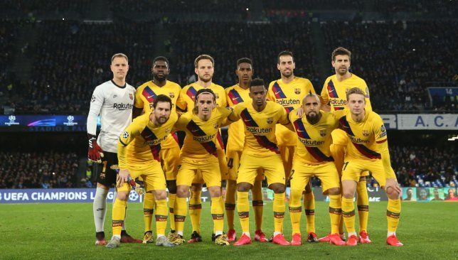 قائمة برشلونة لمواجهة جيرونا استبعاد سواريز مجددا Soccer Field Soccer Sports