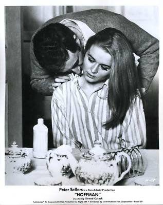 Sinead Cusack and Peter Sellers in Hoffman (1969)
