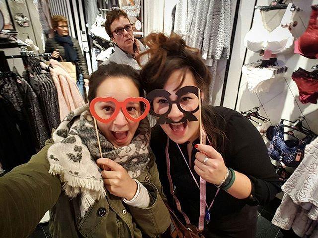 WEBSTA @ deminijssen - Fun at work with my sister! 😂📸 #hunkemöller #maastricht #centre #flagship #newstore #hunkemöller #grandopening #lingerie #instafun #privatecollection #sister #familyfun #hunkemollerambassadors #shero #24november #lingerie #lingerista #shop #lovemyjob #shopping  #hunkemollerloveshersheros #pink #store #vm #visualmerchandising #hkmmaastricht