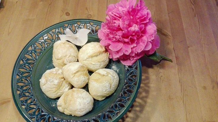 Schnelle (Sonntags-) Brötchen, Bürli, ein tolles Rezept aus der Kategorie Brot und Brötchen. Bewertungen: 183. Durchschnitt: Ø 4,6.