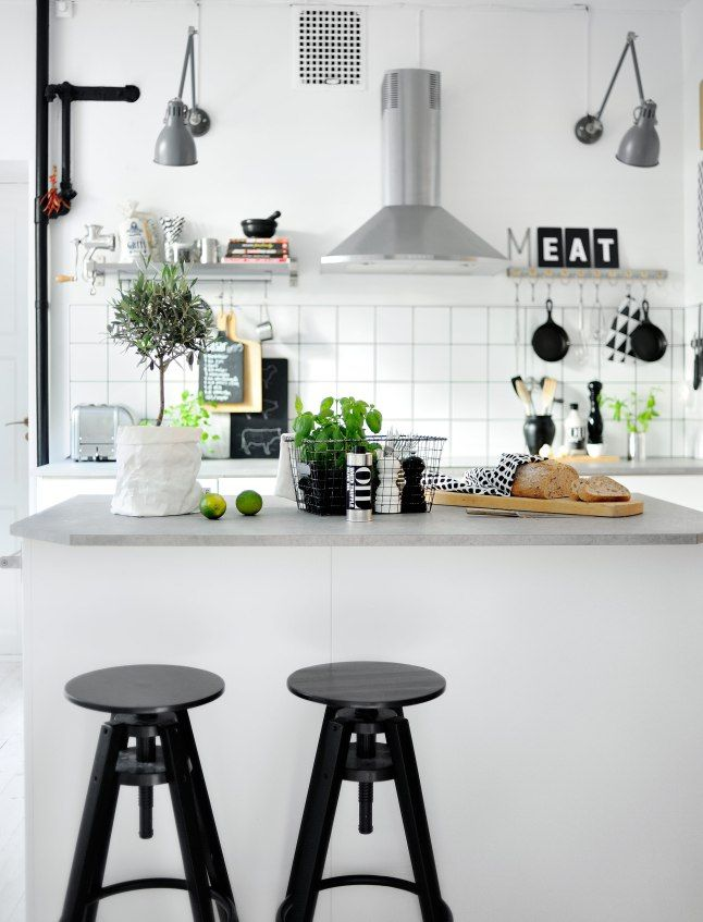 SK4 Kitchen | Light & Bright | White, Black & Neutrals | Natural | Modern Home Interiors | Contemporary Decor Design #inspiration #nakedstyle