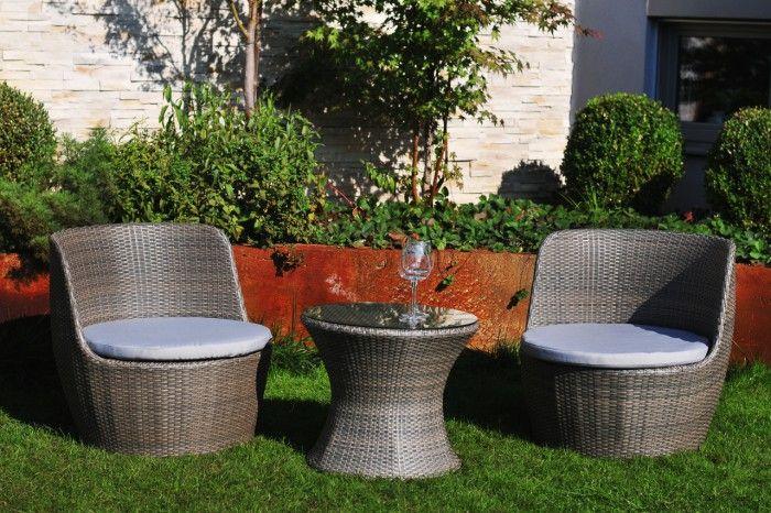 Představa krásného letního odpoledne a příjemného posezení u studené limonády je nadměrně idylická. Jestliže jste příznivci posezení na zahradě nebo na...