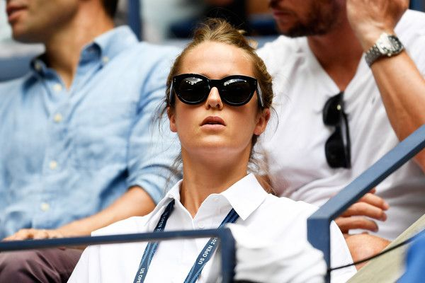 Kim Murray Photos Photos - Kim Murray, wife of Andy Murray of Great Britain looks on during his Men's Singles Quarterfinal match against Kei Nishikori of Japan on Day Ten of the 2016 US Open at the USTA Billie Jean King National Tennis Center on September 7, 2016 in the Flushing neighborhood of the Queens borough of New York City. - 2016 U.S. Open - Day 10