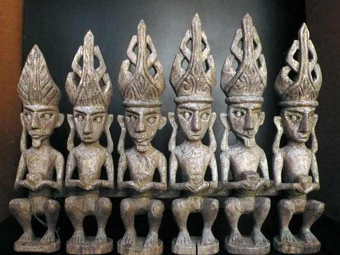 Catawiki online auction house: Row of Adu zatua ancestors - Nias - Indonesia