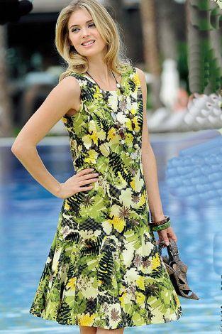 Sleeveless Round Collar Green Black Yellow White Pleated skirt Casual Dress CN0089 Zenb.Com