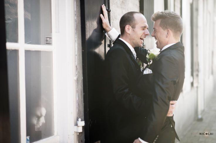 Trouwen. Gay-wedding. Homohuwelijk. Fun. Bruidsreportage