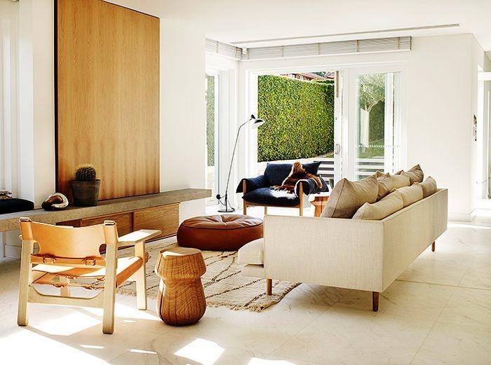 Inside an Australian Home With a Perfectly Modern Design via @MyDomaineAU