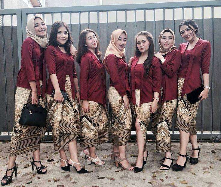 Inspirasi Model Kebaya Modern Maroon Rok Batik Parang