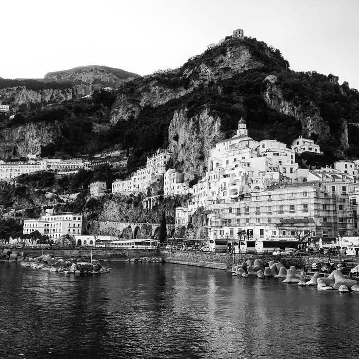 #beautiful and #enchanted. This is #amalfi  near #salerno #Italy #sea #seafront #mountain #tourism #tourist #trip #travel #twitter #landscape #panorama