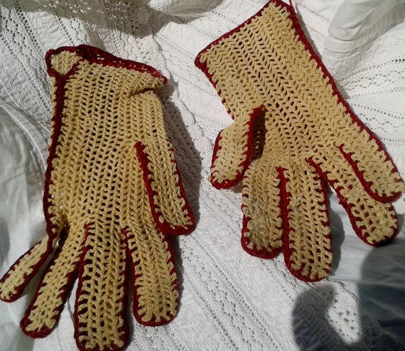 Beige and Red Crochet Gloves. Cotton. Handmade. Lovely French #Vintage from the 50's. Size : Small 6 Vintage condition with…
