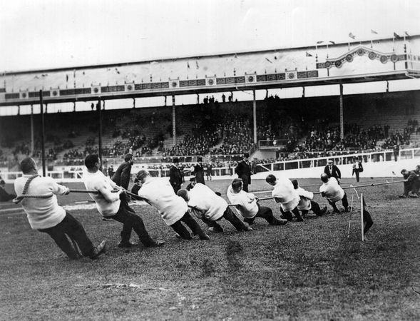 Olympic Sports | Pictures: 6 Lost Olympic Sports—Tug-of-War to Pigeon Shooting