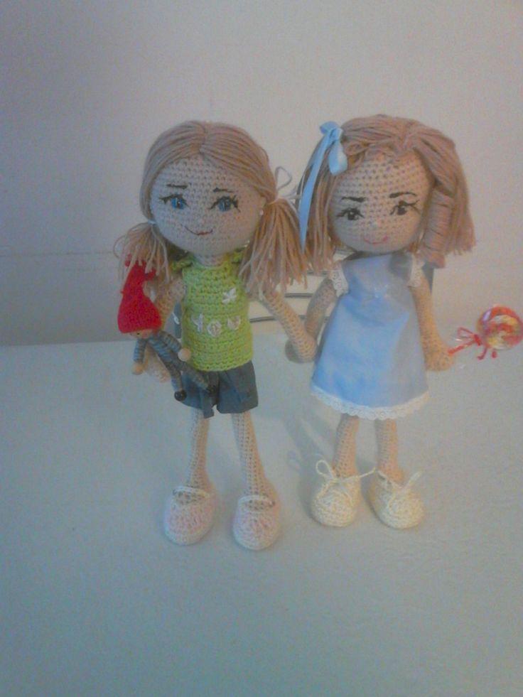 Dos muñecas amigurumi. Doll crochet.
