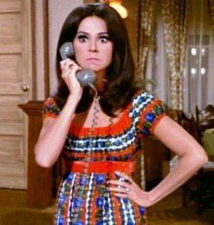 TV show fashion history - That Girl - Marlo Thomas in multicoloured dress.jpg