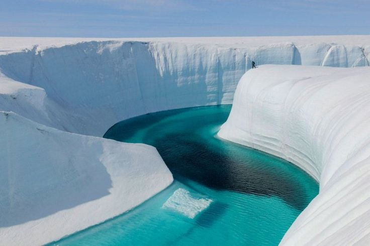 L'Ice Canyon au Groenland : 50 lieux exceptionnels que vous n'avez jamais vus - Linternaute.com Voyager