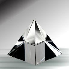 Piramit Kristal Kağıt Ağırlıkları