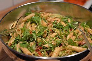 Italienischer Nudelsalat mit Serrano