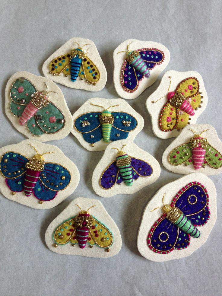 moth brooches embroidery 2013 ©Azumi Sakata