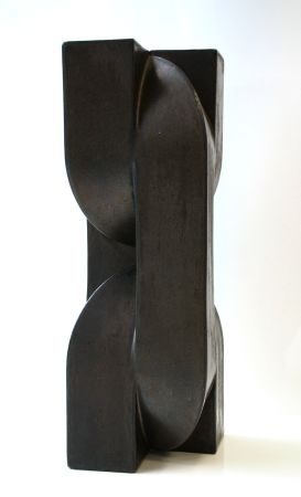 Dutch Jan van der Vaart (1931-2000) is known as a grand innovator of ceramic art who experimented with more free forms