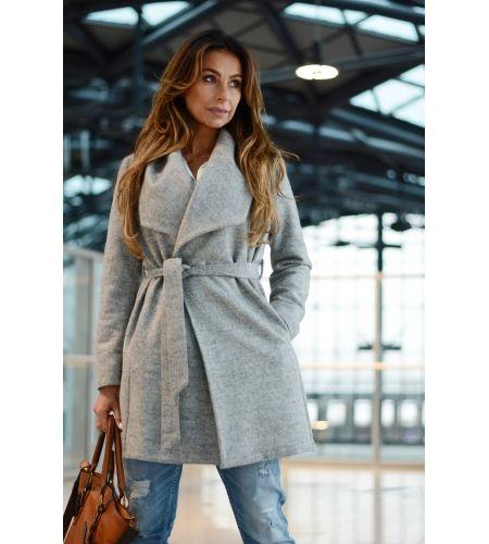 Sklep z obuwiem www.styloweobcasy.pl poleca płaszcz  marki S.Moriss