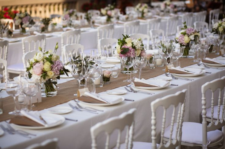 Flowers Imperial table  Centrepieces - Bouquets with Roses and Eucalyptus http://www.alessiabweddings.com/