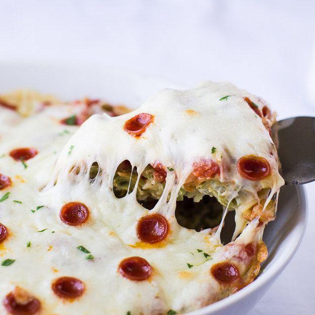 Pizza-Pasta-Auflauf | 26 unfassbar gute Nudelgerichte aus dem Ofen, die Dich wärmen werden
