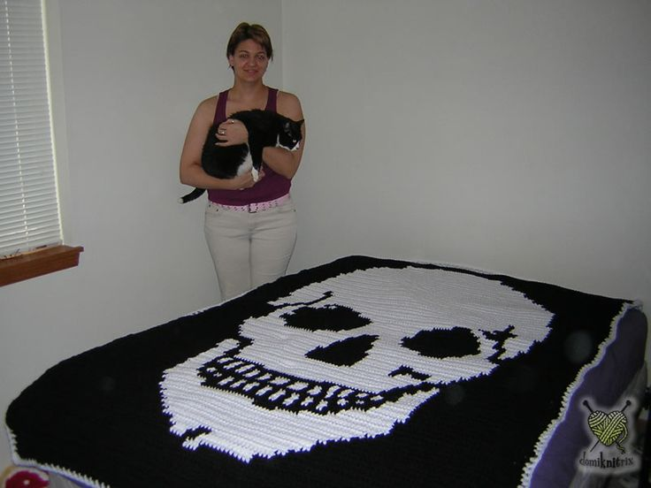Knitting Pattern Skull Scarf : 17 Best images about Skull Patterns for Knitting on Pinterest Pirates, Pira...