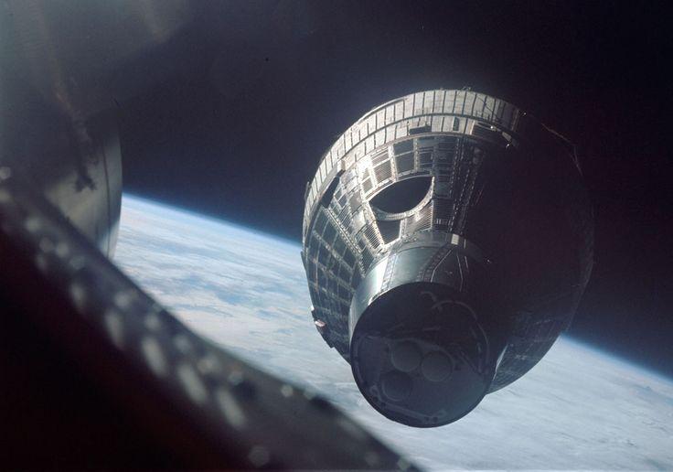 Gemini 6A closes to within 35 feet of its sister capsule, Gemini 7, on December 15, 1965. (NASA/JSC/ASU)