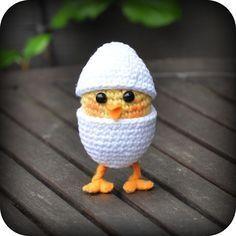 Crochet Pattern chicken in egg on legs