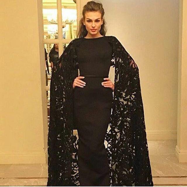 Black Mermaid Evening Dresses with Lace Cape Elegant Crew Neck Floor Length Evening Gowns