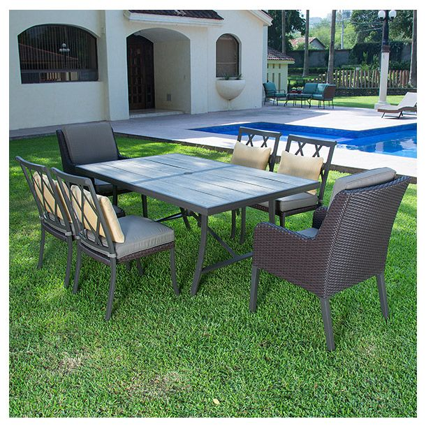 Ideal para exterior. 6 sillas estacionarias. Mesa rectangular de 1.72 x 1 metros con cubierta acabado madera. Estructura de aluminio. Cojines de asiento y decorativos en tela olefina resistente a la intemperie.