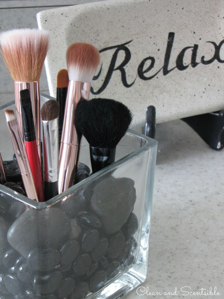 Clean & Scentsible: How to Organize Your Make-Up