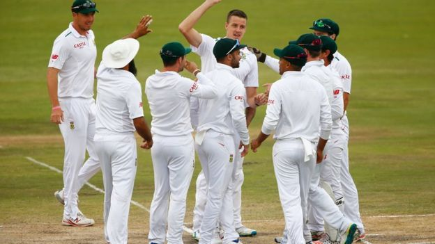 Morne Morkel of South Africa celebrates catching and bowling out Alastair Cook of England during day four of the 4th Test at Supersport Park on January 25, 2016 in Centurion, South Africa.