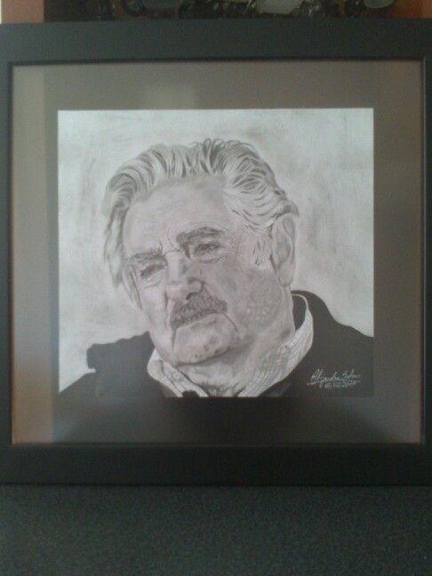 Mujica enmarcado!! Marco negro con transparencia. 51 x 48 cms. (foto tomada con celular)