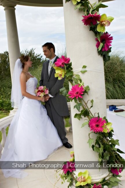 For this wedding at Tregenna Castle the pillars were decorated with flowers; you can theme your wedding how you want it - I hope the photographs here may give you some ideas for your wedding, together with our galleries of photographs on our website