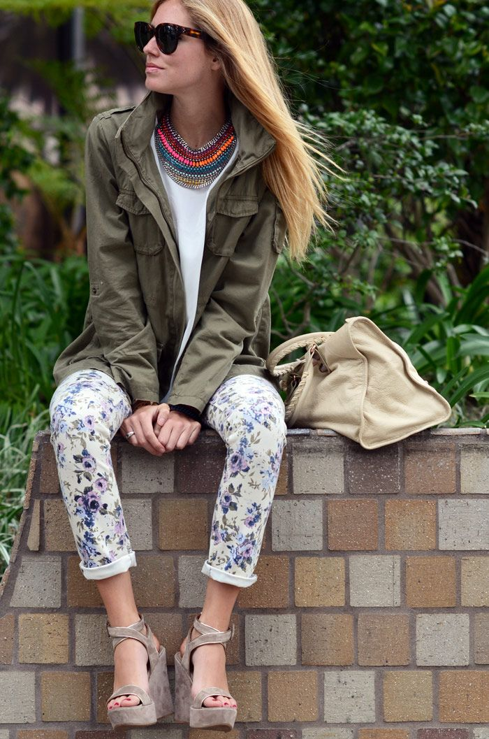 floral pants, love the necklace!