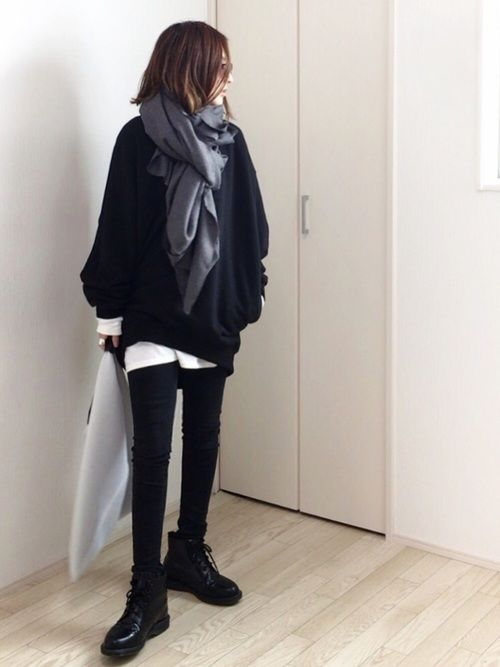 KILのスウェット「KIL(キル) ビッグトレーナー」を使ったmayumiのコーディネートです。WEARはモデル・俳優・ショップスタッフなどの着こなしをチェックできるファッションコーディネートサイトです。