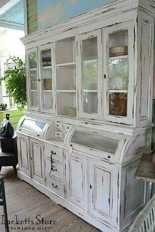 Gorgeous hutch/cabinet