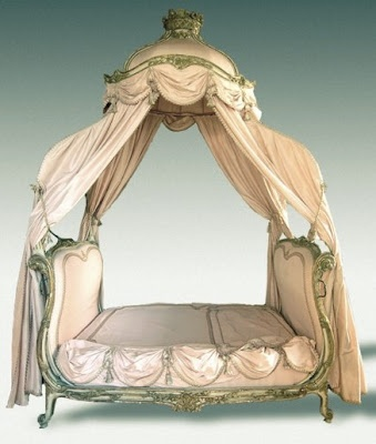 I just have to get a bed like this!