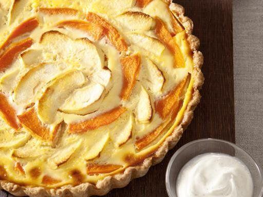 Kürbis-Apfel-Kuchen klingt gewöhnungsbedürftig, schmeckt aber wirklich gut, da der Kürbis von sich aus ein süßliches Aroma hat.