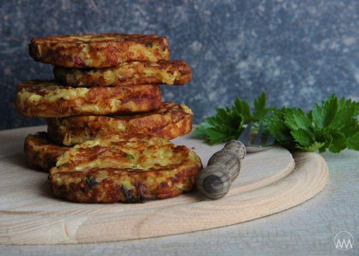 V kuchyni vždy otevřeno ...: Celerové placičky se sýrem
