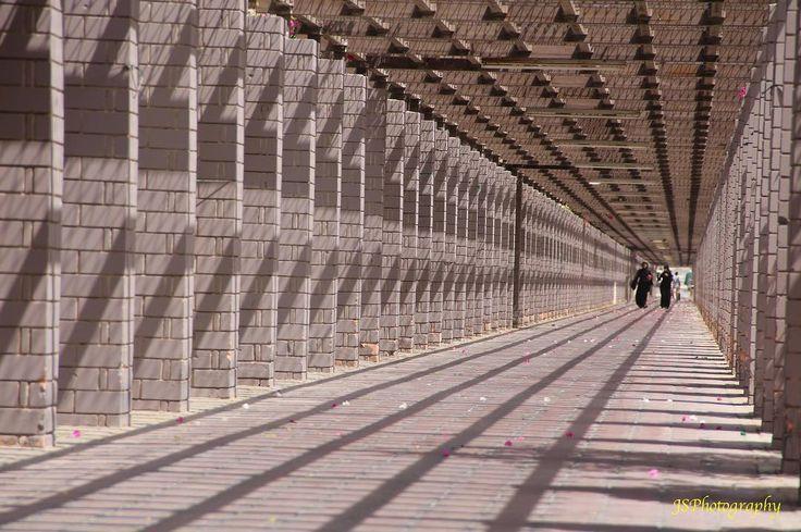 #uae #sharjah #park #emirates #tunnel #leadinglines #shadows
