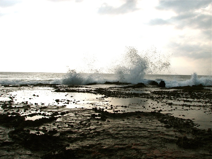 crashing waves Mozambique