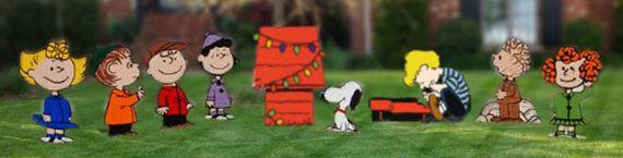 Peanut Charlie Brown Christmas Yard Display, Charlie brown lawn art, peanuts christmas yard displays  • Set of 8 Characters plus Dog House •