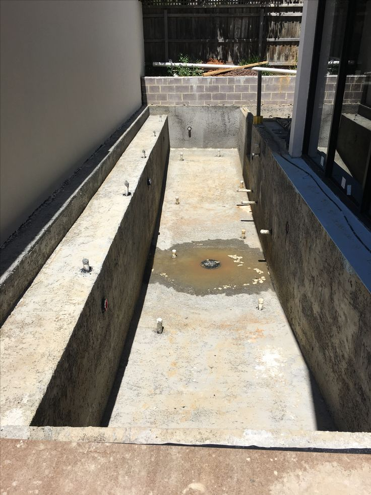 Swimming pool ready for screed