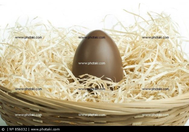 http://www.photaki.com/picture-chocolate-easter-egg_856032.htm