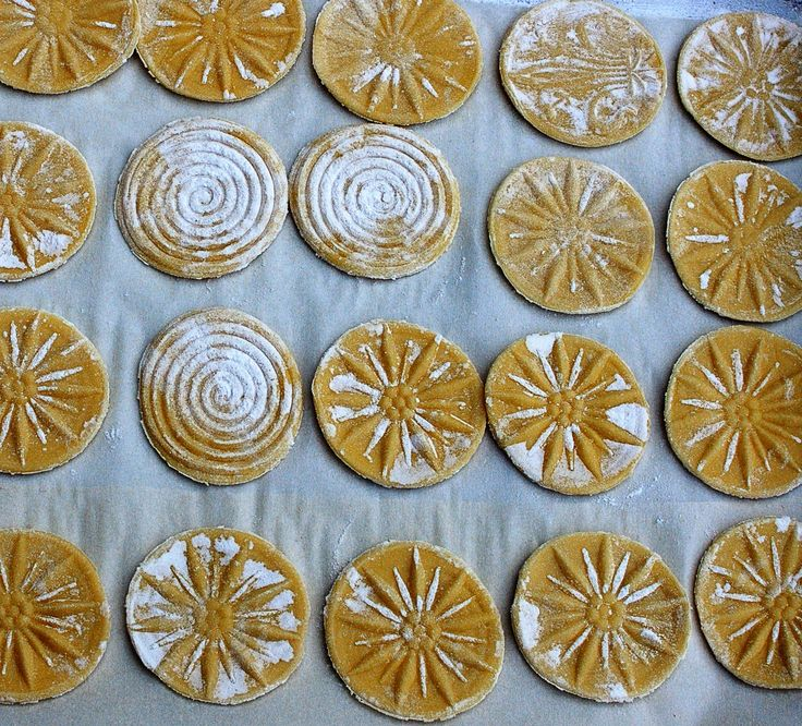 A very special pasta from Liguria, Italy...corzetti!  Isn't it beautiful.  You can order Corzetti stamps online!